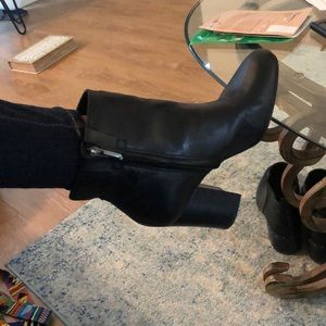 Black leather Sam Edelman booties